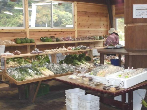 よがんす野菜売り場1.jpg