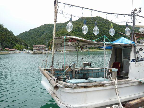 イカつり漁船.jpg