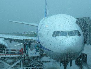 大雨の空港.jpg
