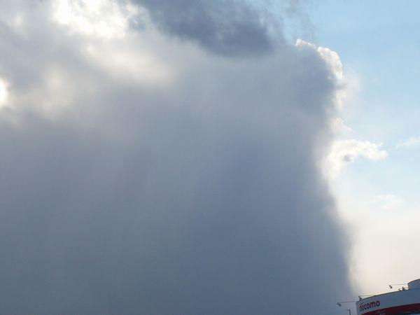 暗雲と晴れ.jpg