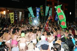 裸祭り.jpg