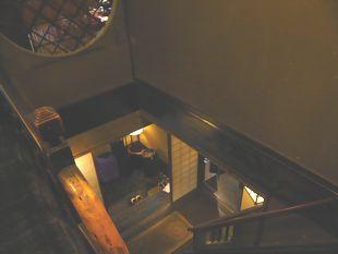 鳥や三階段.JPG