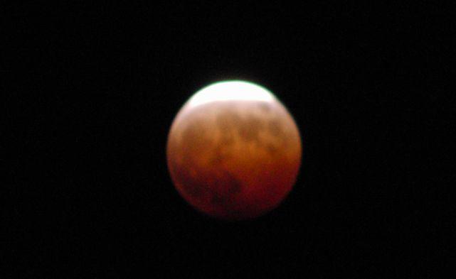 2014皆既月食2.jpg