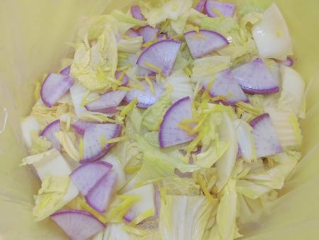 2015ミラノ大根と白菜の漬物IMG7133.jpg